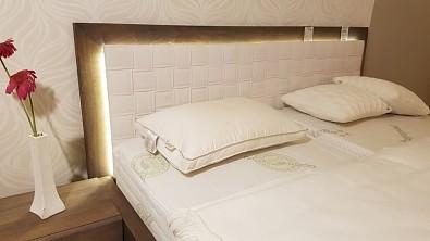LED osvětlení postele