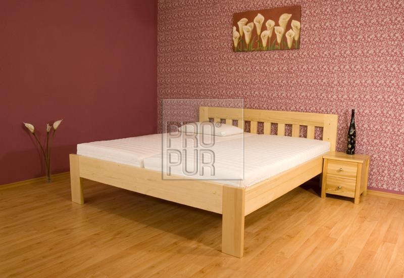 Dřevěná postel smrk Any
